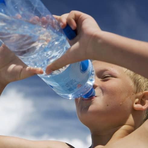 jongeren op gezond gewicht water